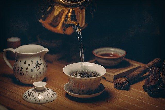 zalévání čaje