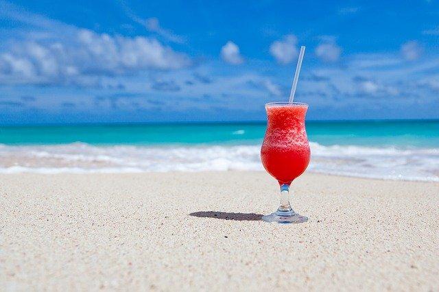 koktejl na pláži.jpg